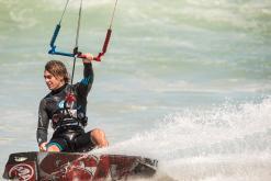 kite surfing kiteboarding